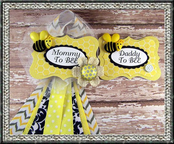 Set of Mommy To BEE  and Daddy To BEE Baby Shower by BloomingParty