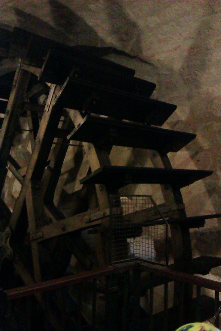 Pilsen underground - millwheel