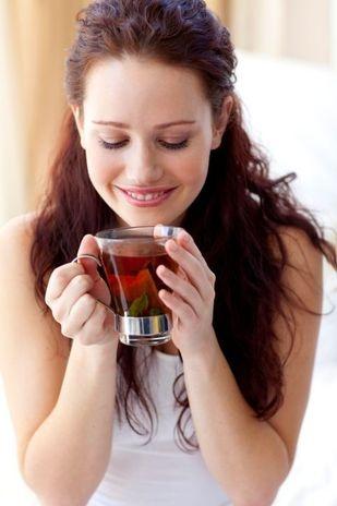 Chá preto: fornece flavonóides ao corpo, responsáveis pelo combate a infecções e aumento da imunidade do organismo