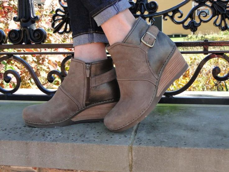 The cute and comfortable Dansko Shirley ankle boots - check out my review!