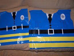 Resultado de imagen para disfraz de policia en material reciclable