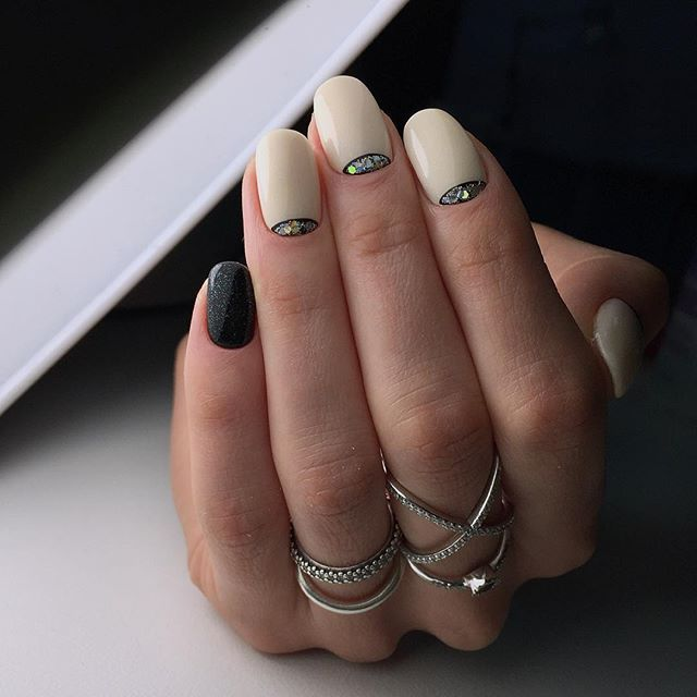 Half Moon Nails, nogtiinminsk