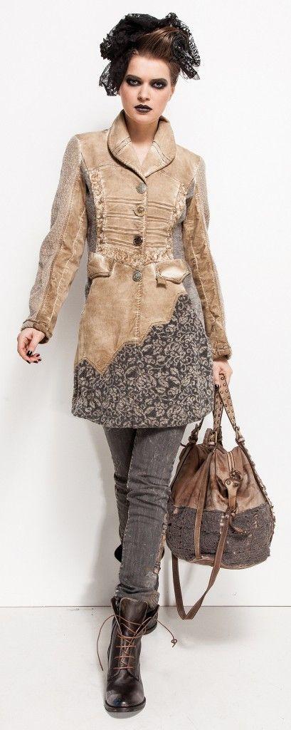 Superbe manteau veste Elisa Cavaletti aux couleurs et design superbes