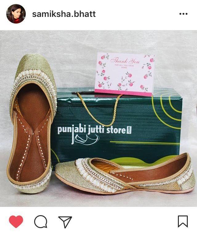 #Repost Samiksha Bhatt . . . Thank you Punjabijuttistore.com for this gorgeous golden pair of jutti with pearls studded on it. Can't wait to adorn them! 😊 . . . . #SecretsOfSimi #SOS #gold #golden #pearl #punjabi #jutti #footwear #shoes #fashion #photo
