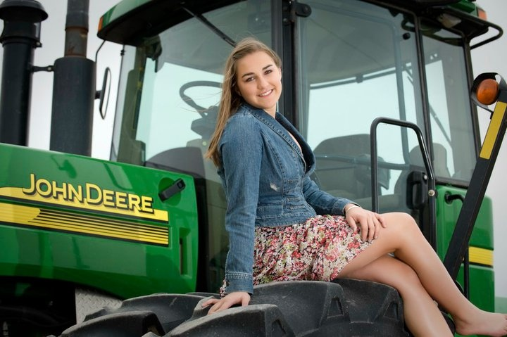 Senior Pictures with your favorite things.  John Deere tractors!  Tractor courtesy of Eis Implement Inc