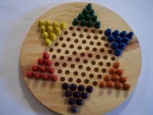 Diez juegos de tablero que debes conocer: Damas Chinas (Chinese Checkers)