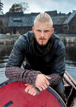 Björn Ironside, Alexander Ludwig | A powerful Viking chieftain and naval commander conducted many successful raids in France. A continuation of the tradition initiated by his father Ragnar.