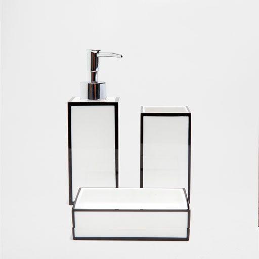 BLACK AND WHITE BATHROOM SET