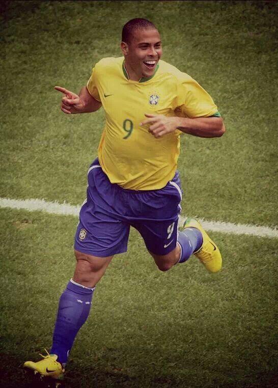 """R9: """"Yo e estoy flaco y guapo cuando hago un gol, y gordo y feo cuando no los hago"""""""