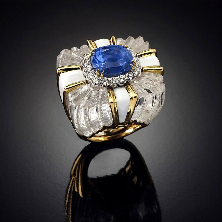 Fine Ring in gold, platinum, white enamel and diamonds DAVID WEBB