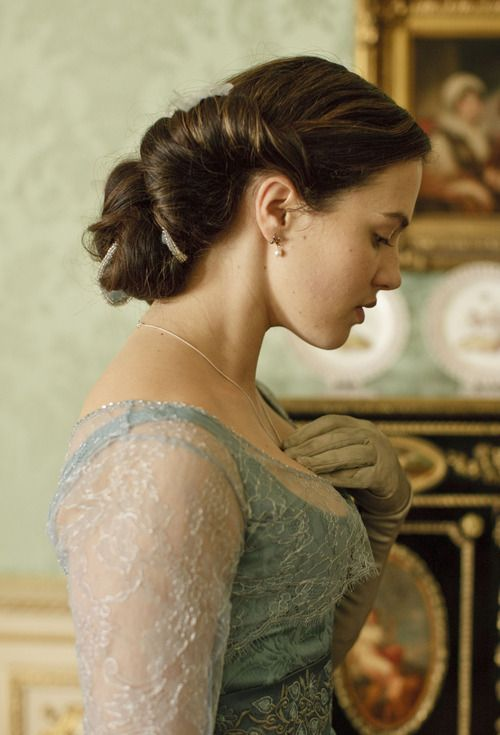 Jessica Brown-Findlay / Lady Sybil