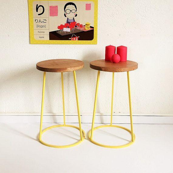 Tabouret tripode en bois et métal, siège, esprit industriel vintage, coloris jaune, modèle Saturnin