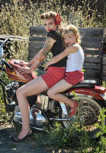 Rockabilly. What a great Mom and daughter photo! ♡ Mother | Little Girl | Photo Session Ideas | Props | Prop | Sisters | Family