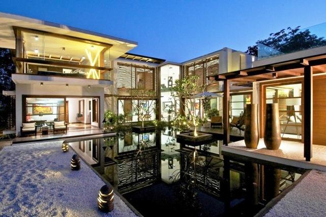Courtyard house hiren patel architects india piscinas - Maison courtyard hiren patel architects ...