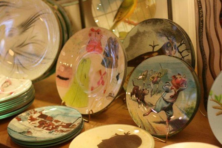 How to Decoupage a Glass Plate
