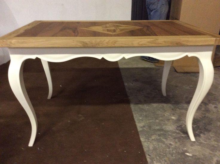 Splendido tavolo arvestyle design realizzato in legno massello antico di Briccola