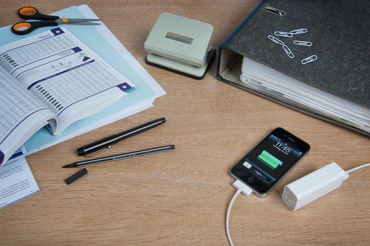 Xtorm Power Bank to zapasowy bank energii przeznaczony do telefonów komórkowych, odtwarzaczy mp3, nawigacji GPS, itp. Akumulator dysponuje pojemnością 2600mAh w bardzo małej obudowie przy wadze zaledwie 65gram. / The powerful A-solar Xtorm Power Bank has an big 2600mAh li-ion battery. PLN104.99 / $35
