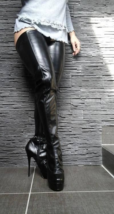 Incredible black thigh boots
