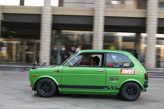 Honda Life 360... all kinds of tiny hotness.