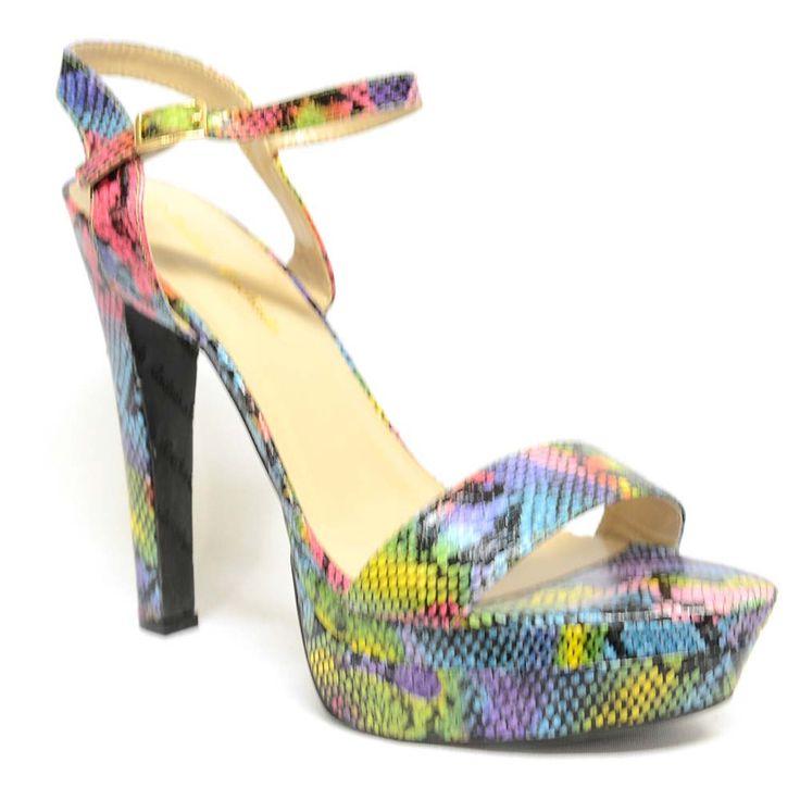 Fantaisie et habillé à la fois. Disponible en grande taille jusqu'au 45 en stock, #chaussure, #chaussurefemme , #grandetaille, #grandepointure, #femme, #mode , #talonhaut, #talonaiguille, #gay, #travesti