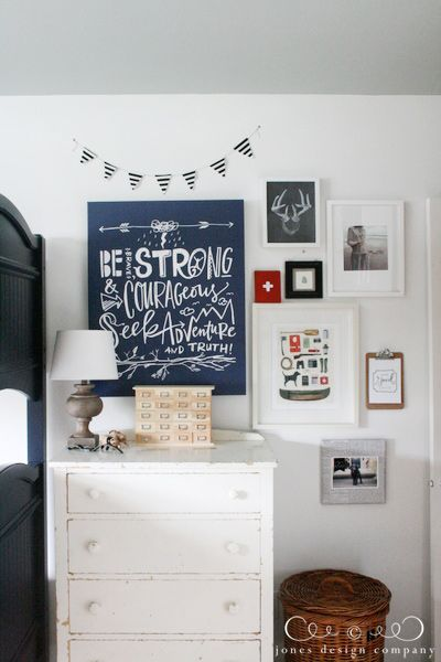 fun ideas to decorate a boys room. Love this room!