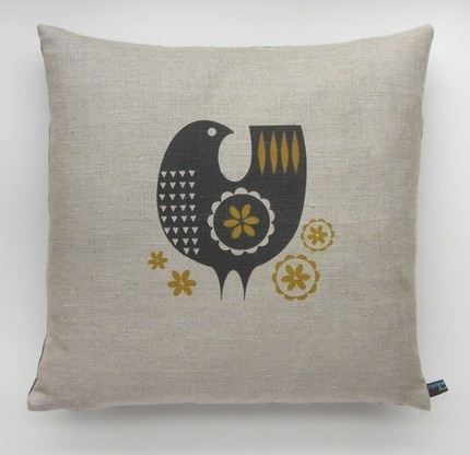 Bird Cushion: I want this!!! IT would go so well with those Sanna Annukka wooden birds I saw. Would look lovely on the sofa.