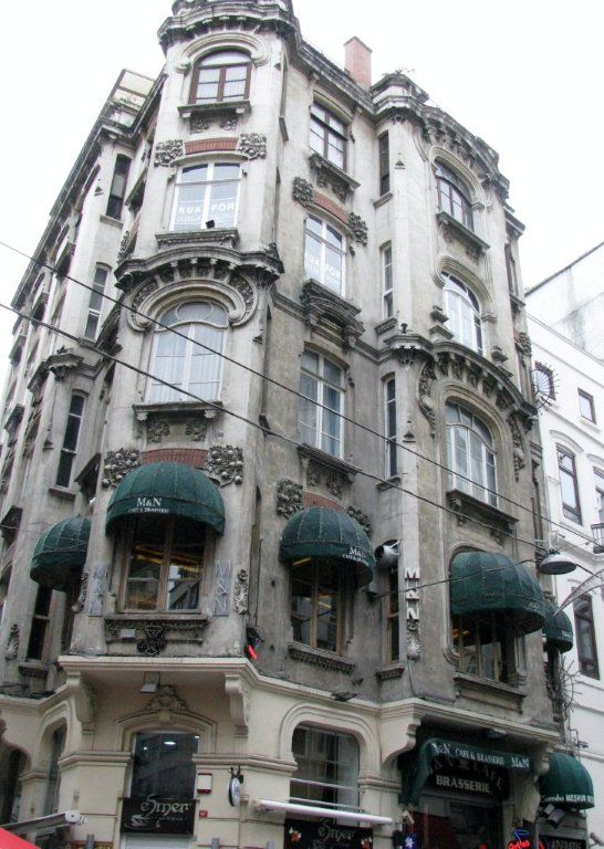 Building on Istiklal Street