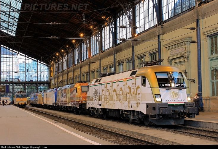 RailPictures.Net Photo: 470 010 Hungarian State Railways (MÁV) 470 at Budapest-Nyugati, Hungary by Horváth Gábor
