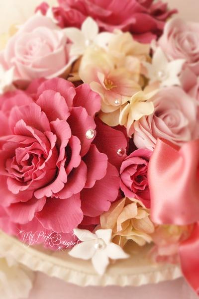 039//シャクヤクの花びらにも、アジサイにもスワロフスキーを飾ってキラキラに