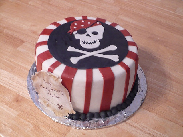 Pirate Cake - Really thinking about a pirate birthday party for Raife