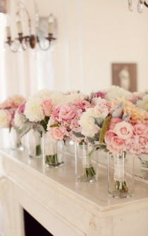 love these bridesmaids bouquets