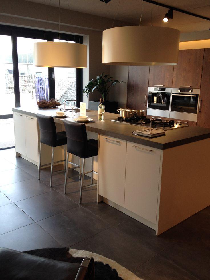 25 beste idee n over huiselijke keuken op pinterest donkere tellers boheemse keuken en open - Keuken met teller ...