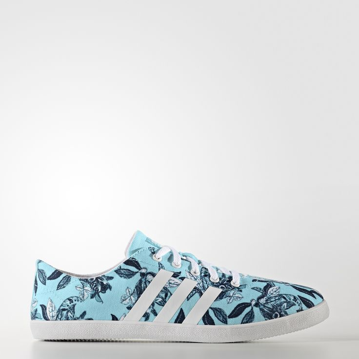 Prosty styl na lato. Te płócienne buty dla kobiet prezentują świeżą, kwiatową grafikę. Amortyzacja cloudfoam dopasowuje się do Twojej stopy, zapewniając poczucie komfortu.