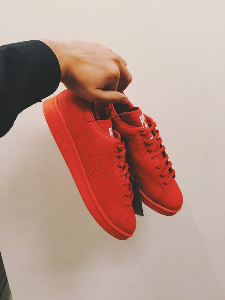 An ultra clean colab between #adidasOriginals & #rafsimons #sneakers #fashion