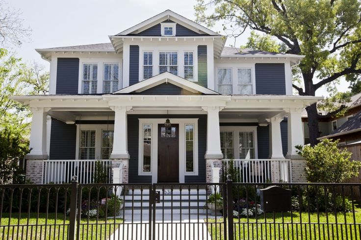 Best 25 traditional exterior ideas on pinterest brick - Craftsman home paint colors exterior ...