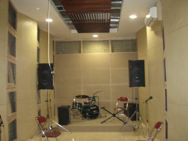 Ingin membuat peredam suara untuk studio rental, recording, home theatre, kelas kursus, kafe, gereja, kamar pribadi, studio karaoke, box studio,mall,ruang multimedia, peredam ruangan mesin dll. Untuk pabrik yang atapnya memiliki bahan metal yang menyebabkan panas yang berlebih. Bingung mencari solusinya. Kami jawabannya |GN.TECHNOLOGIES PEREDAM SUARA | OFFICE: JL BOULEVARD RAYA RUKO STAR OF ASIA NO.99 TAMAN UBUD LIPPO KARWACI TANGERANG BANTEN 02149126060 02180796565