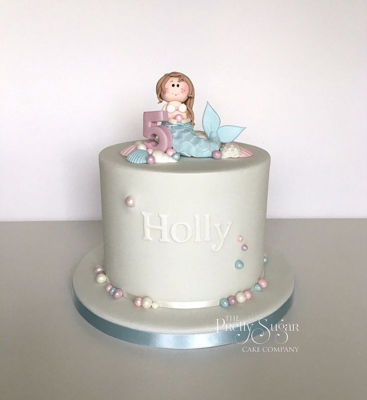 Pearly mermaid themed birthday cake