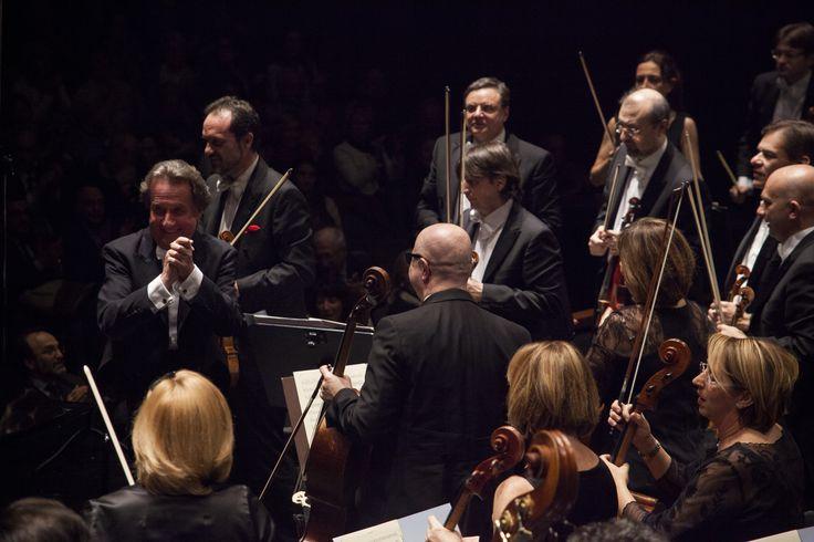 19 Marzo 2015. Rudolf Buchbinder (pianoforte) dirige l'Orchestra del Maggio Musicale Fiorentino. © Pietro Paolini / Terraproject / Contrasto