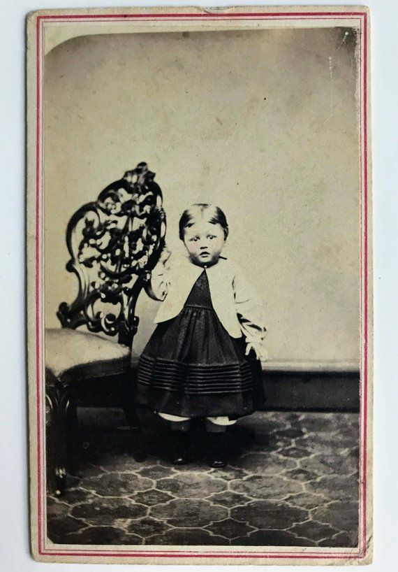 Victorian Tinted CDV Carte De Visite Photograph Of An Adorable Child Album Baby People Boy Po