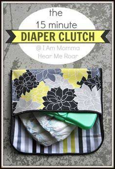DIY Diaper Bag | Love this for a DIY baby shower gift idea! For more cute and useful handmade baby shower gift ideas and sewing tutorials, visit http://www.sewinlove.com.au/2016/01/10/10-homemade-baby-shower-gifts-mamas-love/