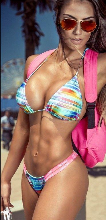 heisses-bikinimodelfoto