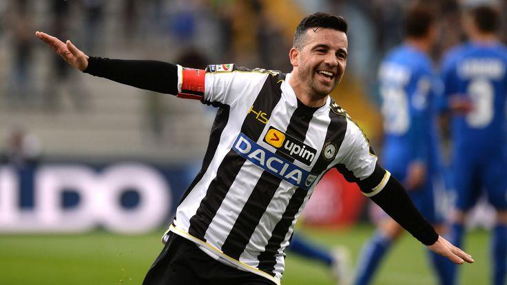 @Udinese Antonio Di Natale, noto anche col diminutivo Totò (Napoli, 13 ottobre 1977), è un calciatore italiano, attaccante dell'Udinese di cui è anche Il Capitano. #9ine