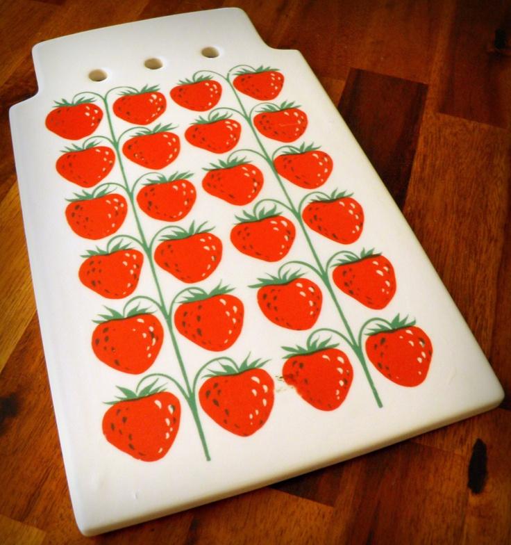 1967 Arabia Finland MANSIKKA Pomona (Strawberries) Cutting Board--RARE Piece--Ulla Procope/Raija Uosikkinen Design--Pristine. $78.00, via Etsy.