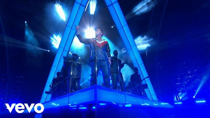 Bruno Mars: That's What I Like (2/12/2017) - Live from the 59th Grammy Awards. (Video)