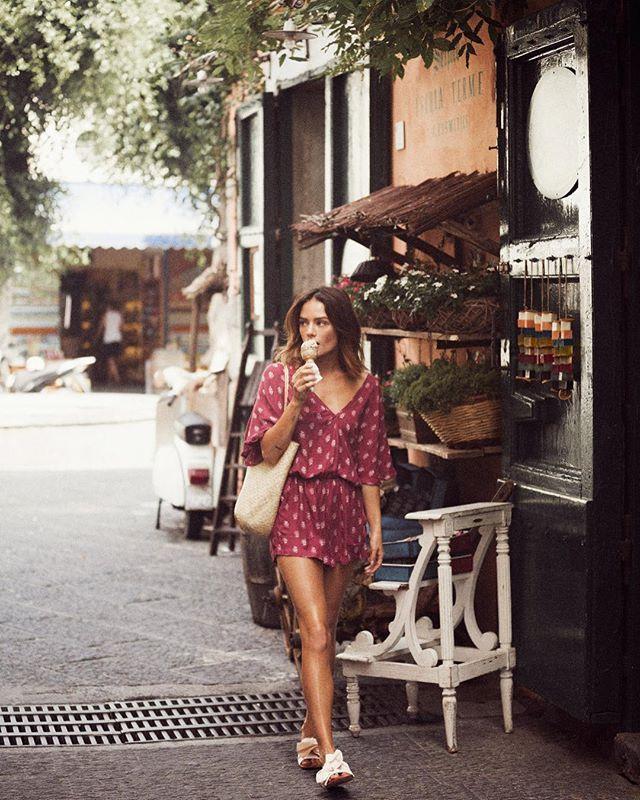 Ischia Italy || Gelato pit stops with @jessleebuchanan in the Bella Vivian Playsuit Berry (shop the link in our bio)#italy #exploremore #beachgoldinspo