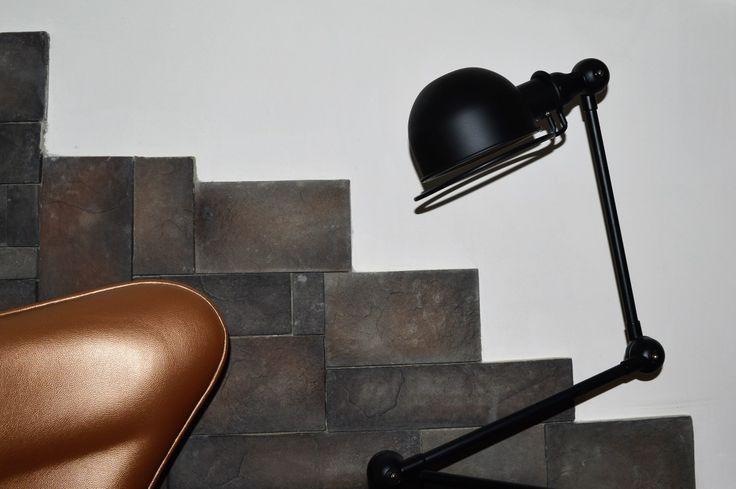 Rustico Stones | Woonsfeer in één dag  Wij zijn een groothandel / toeleverancier van sfeervolle wandbekleding van natuursteen, rustieke stenen en houtstenen die worden toegepast in nieuwbouw, verbouw, kantoor- en horeca inrichting. Daarnaast runnen wij een woonwinkel met meubilair, tafels, stoelen, lampen, PVC en laminaat vloeren en allerlei interieur- en woon accessoires.