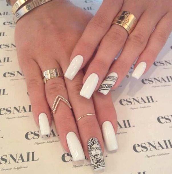 Kylie Jenner S White Versace Nails Esnail La N A I L S
