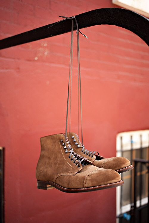 fonrenovatio:  Alden Cooney.  Probably the best looking boots out there.  For Real.  http://shukollection.tumblr.com