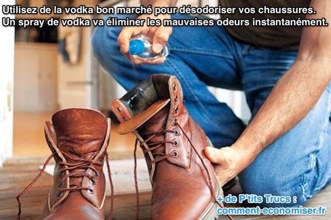 Vaporisez de la vodka bon marché dans vos chaussures pour désodoriser vos chaussures. Oui, vous avez bien lu ! Découvrez l'astuce ici : http://www.comment-economiser.fr/desodoriser-chaussures-astuce.html?utm_content=buffere6eef&utm_medium=social&utm_source=pinterest.com&utm_campaign=buffer