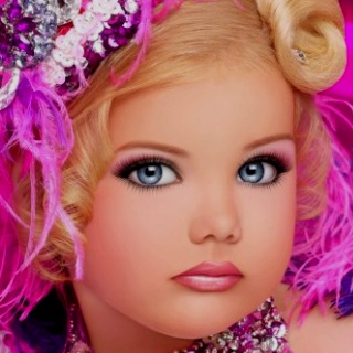 France Wants to Ban 'Hypersexual' Kid Beauty Pageants
